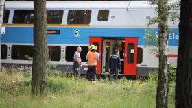 Neštěstí zastavilo provoz na kolejích: Vlak v Klánovicích srazil člověka, na místě zemřel