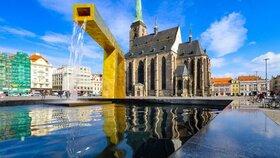 Milované i nenáviděné plzeňské kašny slaví: V centru města tryskají vodu už 10 let