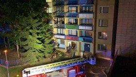 Požár v motolské nemocnici! Hořel pokoj, 50 lidí museli evakuovat