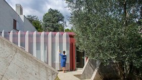 Mikro byt o výměře 25 m2 vyrostl na verandě retro vily