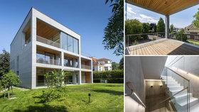 Vymazlenou vilu v Praze na dobré adrese prodávají za 160 milionů: Schovává patro a zaparkuje tu šest aut