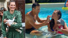 Alena Šeredová (42) dva měsíce po porodu v plavkách: Dovádění s Vivienne i miliardářem!
