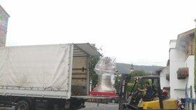 Nové zvony pro pražské kostely: Vyrobili je v Rakousku, než je pověsí, budou si na ně moci lidé zazvonit