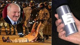Policie použila na demonstranty v Bělorusku české granáty. Lukašenko: Naše ovce řídí z ČR