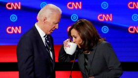 Biden si vybral viceprezidentku. V bitvě proti Trumpovi cílí na Afroameričany