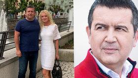 Hamáček se po líbánkách vrhl na kampaň: Tahákem červený svetr. A rýpnutí do Vojtěcha