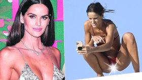 Supermodelka Victoria's Secret na dovolené roztáhla nohy: To je pokoukáníčko!