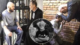 I vrazi se modlí! Na emotivních fotografiích Jindřich Štreit přibližuje práci vězeňských kaplanů