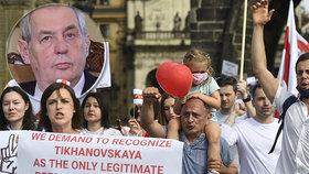 Demonstranti umírali, Zeman mlčel. Po dvou týdnech hlásí: V4 odsuzuje stav v Bělorusku