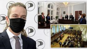 """Piráti chtějí zmrazit platy politiků. Návrh Maláčové by """"obral"""" i soudce o desetitisíce"""