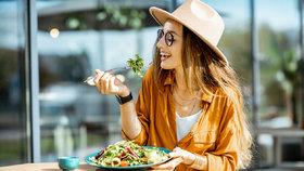 Intuitivní stravování vám může pomoci zhubnout jednou provždy. Co je jeho tajemstvím?