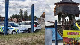 Vítr v Chlumci nad Cidlinou převrátil skákací hrad: Chlapečka (3) musel převézt vrtulník