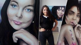 """Osobitě zvěčňuje známé tváře na plátna i na bundy. """"Snem je zahraničí,"""" říká umělkyně Dana Voštová (21)"""