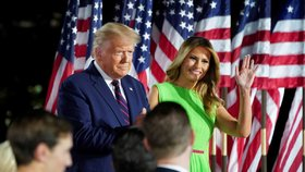 """Trump přijal nominaci do boje o Bílý dům. A pustil se do soka Bidena: """"Zkrachovalá politická třída"""""""