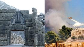 Mykény zčernaly. Antickou památku ohrozily plameny, turisty museli evakuovat