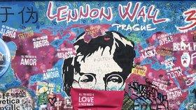 John Lennon v Praze dostal roušku! Symbolicky byla zahájena mezinárodní výstava Helpful Art in Covid