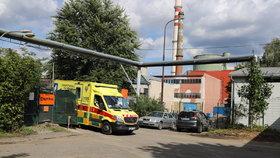Krutá smrt v Praze 10. Muž spadl do lisu na papír, uvnitř stroje zemřel