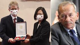 Kubera (†72) získal posmrtně na Tchaj-wanu vyznamenání. A Vystrčil udělal gesto