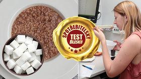 Zdravá, nebo jen kalorická bomba? Test ovesných kaší ukázal, kolik kostek cukru se skrývá v porci!