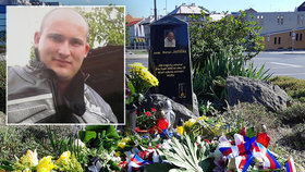 Policistu Romana zabil sériový vrah Postl: Kolegové uctili památku svého kamaráda