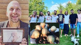 Tomáš Klus (34) je bez vlasů! Rakovina zasáhla celou kapelu