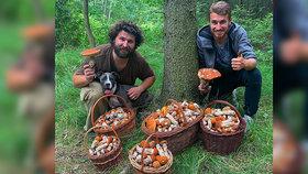 """Fotka, která """"nadzvedla"""" tisíce houbařů! Jiří s Dominikem našli 700 křemenáčů!"""