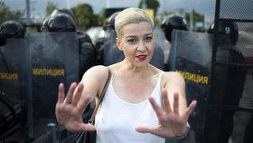 Blond tvář opozice zmizela. A padlo varování před odevzdáním se Lukašenka Rusům
