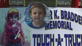 Chlapečka (†4) při autonehodě zabil zfetovaný popelář: Jeho milovaní hasiči udělali dojemné gesto