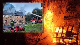 Žháři (18, 22) zapálili tři budovy ve Vejprtech: Policisté je chytli při činu