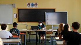 Kombinovaná výuka? Pro učitele velký problém, zastává ředitelka pražské základky