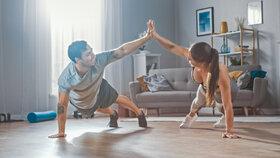 Možnosti, jak se udržet ve formě doma: Domácí cvičení vám s tím pomůže. Které je nejvhodnější?