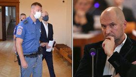 Překvapení v kauze Stoka v Brně: Expolitika Švachulu soudkyně pustila! Domů ale nešel