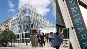 Záhada otevření Primarku v Praze: Majitel přiznal zpoždění, už ale shání i prodavače