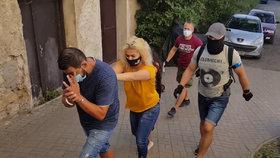 VIDEO: Hyeny okrádaly staříky a invalidy, přišly si na půl milionu! Zlodějský gang zadržela policie