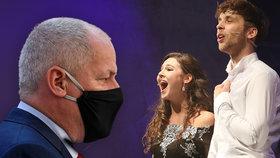 """""""Totální chaos a zmar!"""" Divadla se pustila do Prymuly kvůli zákazu zpěvu, tratí miliony"""