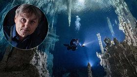 Cesta do hlubin magické jeskyně: Fenomenální snímky českého fotografa z Mexika