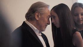 Ivana Gottová zveřejnila nepoužité záběry z filmu Karel! Nový klip dojímá