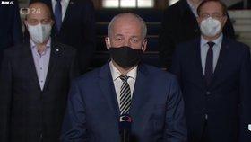 """Prymula promluvil k národu: """"Čekají nás neveselé týdny."""" Čechům se omluvil"""