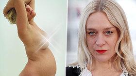 Herečka, která nezná stud: Těhotná se svlékla a ukázala naprosto vše!