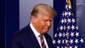 Další rána pro Trumpa: Známá právnická fima od něj dala ruce pryč, narazil i s žalobou