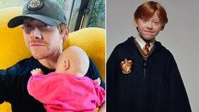 Představitel Rona z Harryho Pottera po letech konečně na síti! Ukázal dceru a prozradil jméno