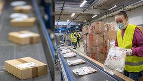 VIDEO: Takhle to vypadá na největší poštovní třídírně v Čechách: Zásilek chodí dvakrát víc než obvykle!