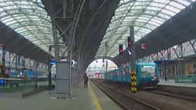 """""""Jedu do Prahy a skočím pod vlak!"""" psal sebevrah strážníkům. Zachránili ho za pět dvanáct"""