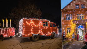 Nadšenci ze Středokluk: Auto ozdobili 7 000 světly a rozvážejí veselé Vánoce, mají i kouzelný betlém