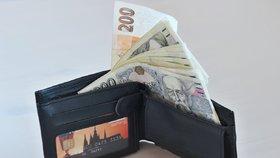 Čechům z výplaty zůstanou stovky i tisíce navíc. Superhrubá mzda končí, minimální vzrostla