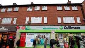 Očkování v lékárnách startuje. Svižní Britové dělají to, o čem Babiš zatím jen mluví