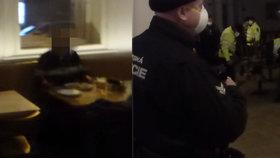 """Zátah v otevřené restauraci! Strážníci v Praze 1 nachytali hosty s pivem. """"Šlo o pracovní schůzky,"""" brání se majitel"""