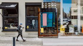 Kavárny jako výstavní síně: Ve vybraných pražských podnicích visí díla od 24 umělců