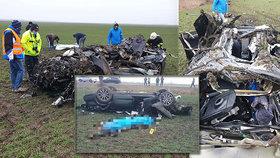 Smrtící nehoda: Ve zdemolovaném autě zemřeli dva muži (†32, †35) a žena (†24)