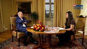 """Zeman by rozvolnění o dva týdny odložil. Zmínil perverzi i """"žranici"""" na Karlově mostě"""